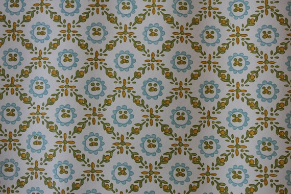 Vintage Wallpaper - by the yard - 1970's Diamond Leaf Pattern