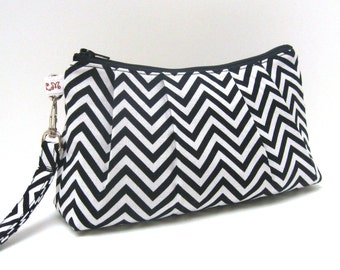Flat bottom Wristlet Clutch Purse Chevron in Black and White