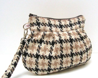 Zippered Clutch Purse Wristlet - Brown and Cream Houndstooth Checks