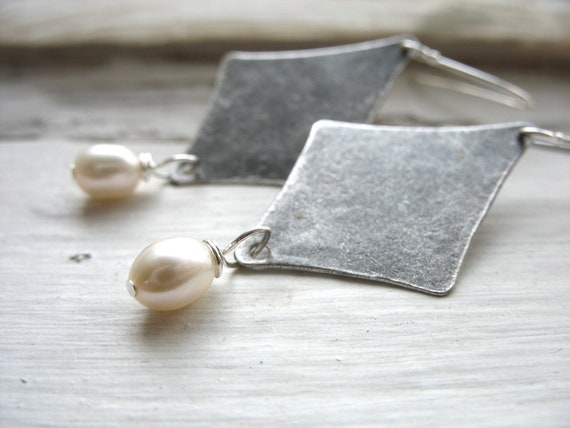 Pearl Earrings, White Pearl Handmade Metalwork Dangle Drop Earrings, Pearl Jewelry