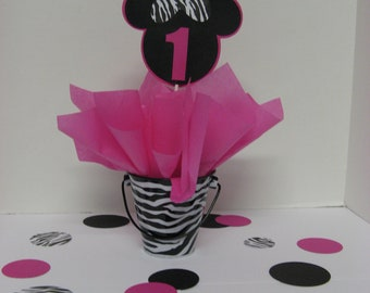 Minie Mouse table decorations 4 in this listing