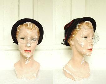 Vintage Black Felt Hat / 1960s Black Veiled Hat