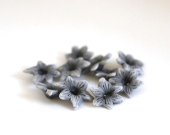 Off White Lily Beads, Polymer Clay Beads, Flower Beads 10 pieces