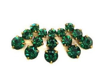 5 Vintage Swarovski jewelry findings 3 rhinestone crystals in brass setting, green