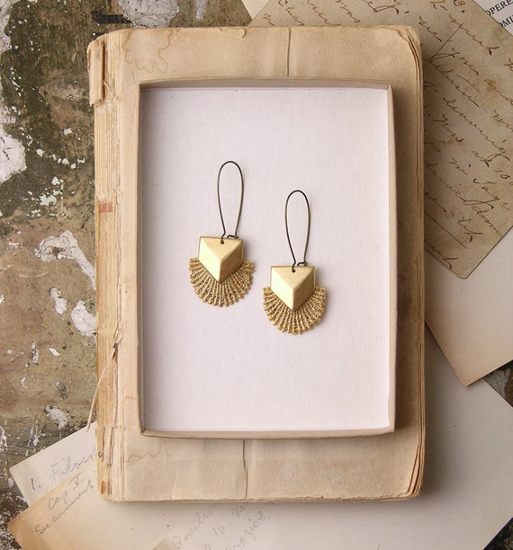 geometric lace earrings - TITANIA - metallic gold- FALL