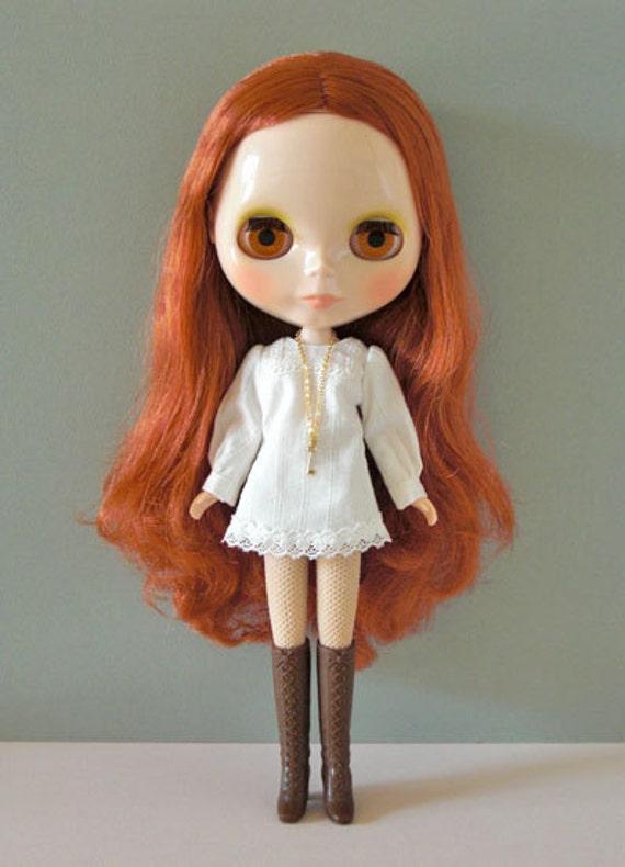 white smock dress-for Blythe