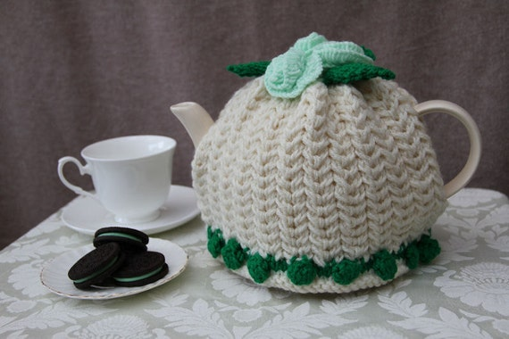 4-6 cup Cream and Green Teapot Cozy - Ready to ship