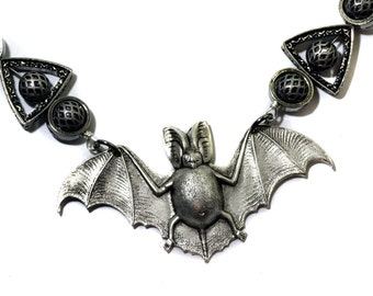 Steampunk Goth Jewellery - Necklace - Silver Bat - Silver tone