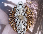 Gold and Silver Retro Brooch Pin with Vintage Glass
