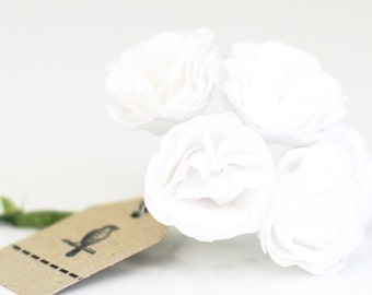 18 white paper flowers