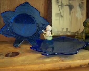 2 LE Smith Cobalt Blue Mount Pleasant 8 Inch Leaf Plates