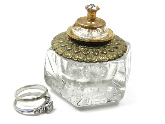 FREE SHIPPING Golden Anniversary Salt Cellar Ring Box with Vintage Button Lid