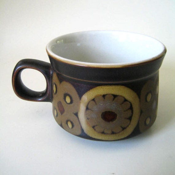 Denby Arabesque Samarkand Brown cup, 1970s English stoneware.