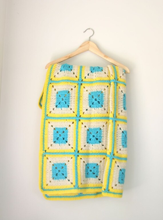 VTG yellow and turquoise afghan