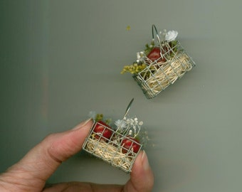 Apples In Basket - Quantity of One - Apples with Blossoms - wire basket