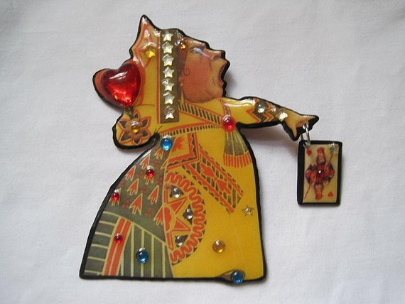 Vintage Queen of Hearts Brooch - Alice in Wonderland