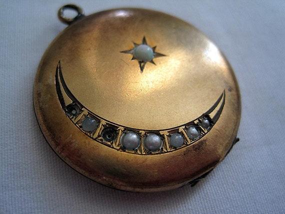Vintage Locket - Victorian Moon - Gold Wash