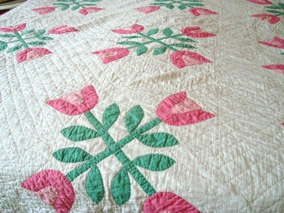 Vintage Pink Tulip Quilt