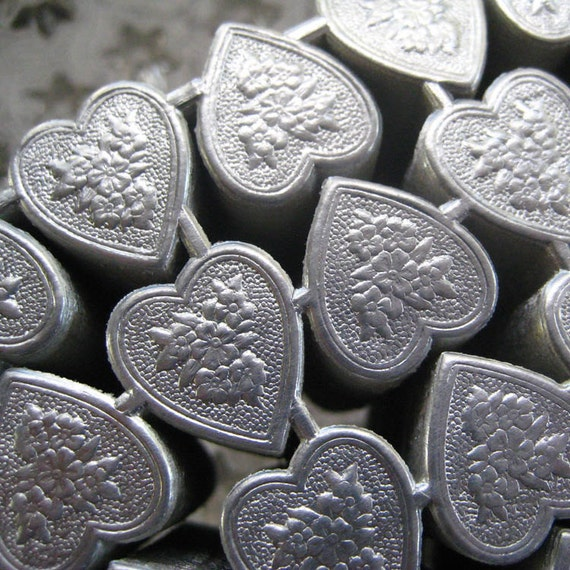 Made In Germany 20 Silver Foil Dresden Embossed Hearts