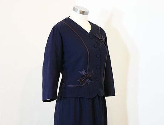 1950s dress / The First Lady 50's Navy Blue Plus Size Suit with Bow Detail
