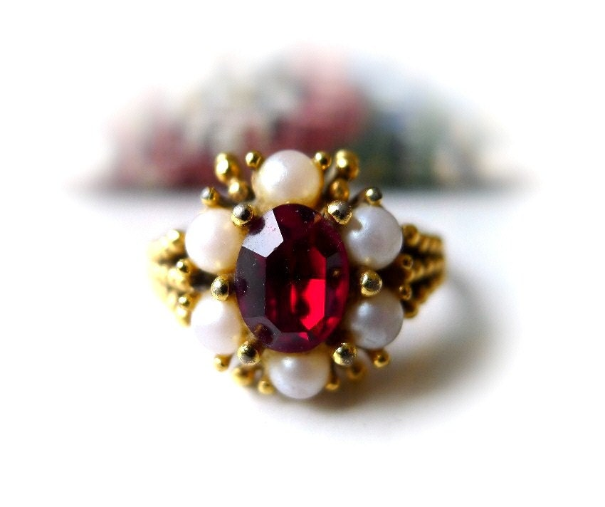 Vintage Avon Ring Simulated Ruby And Pearl Size 9 Large 1973