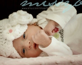 Crochet Newborn Hat Pattern - Scallops Cloche Baby Hat -  birth to 3 month size - PDF pattern - Fun Photography Prop - Instant Download