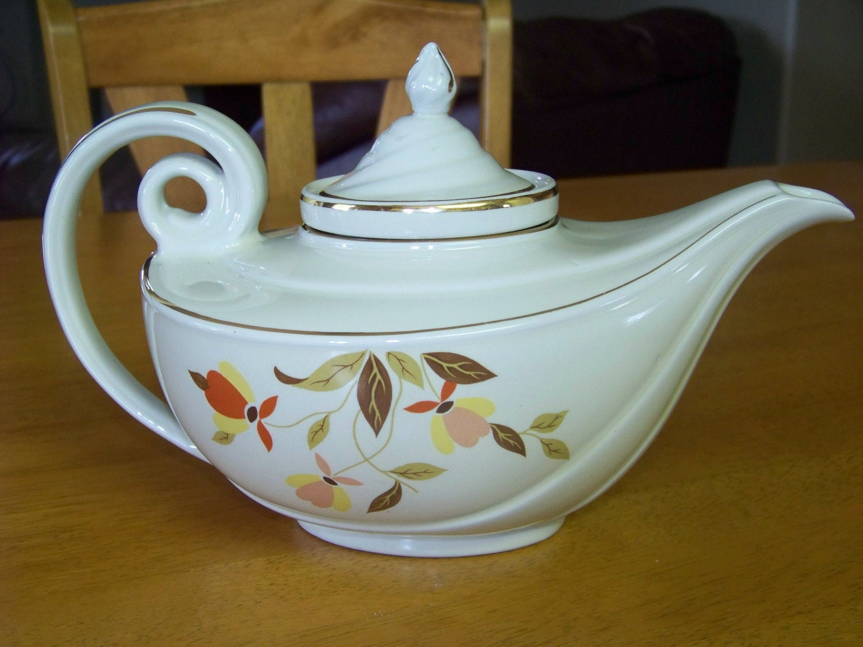 vintage hall jewel tea autumn leaf aladdin tea pot. Black Bedroom Furniture Sets. Home Design Ideas
