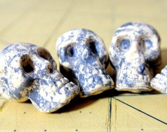 Skull Beads Top Drilled  Antiqued Resin Acrylic Plastic A1