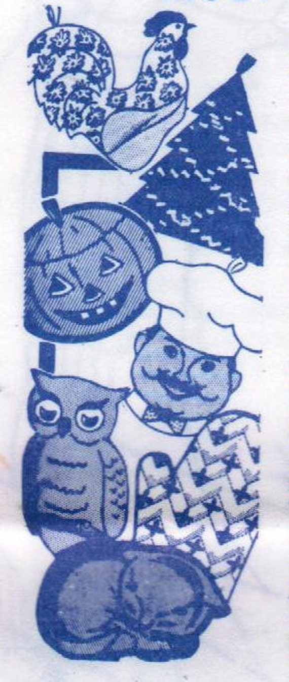 1960s Mail Order 7042 UNCUT Vintage Craft Pattern Seasonal Potholders and Oven Mitt