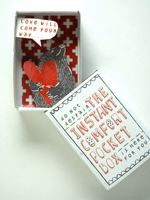 The Instant Comfort Pocket Box - Love is blind