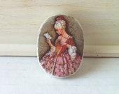 Vintage brooch - marie antoinette - antique lady