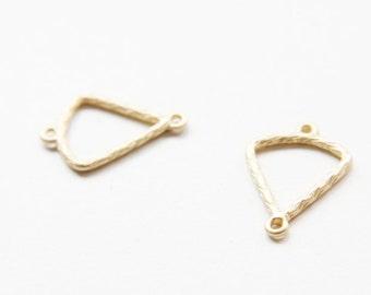 4pcs Matte 16K Gold Plated Base Metal Link - Triangle 25x18mm (130C-Q-21)