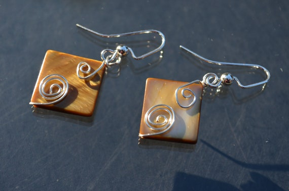 handmade wire wrapped earrings-brown square shells-autumn trend-fall fashion-made in maine-budget gift