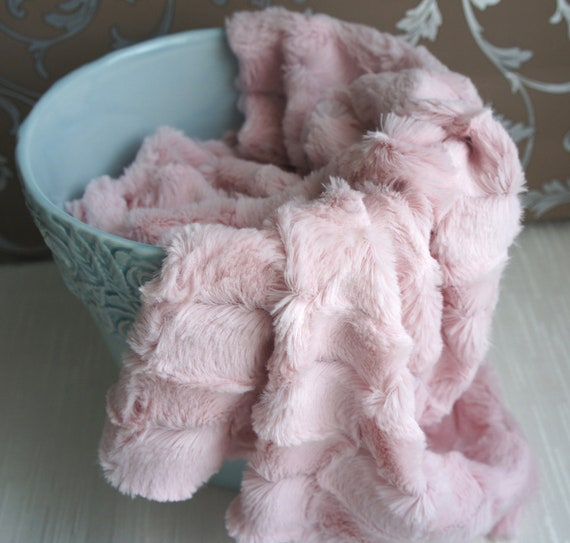 Shaggy Mink Faux Fur Nest Photography Prop in Blush Pink Color perfect for Newborn Baby Toddler Pictures, Size 30 x 20