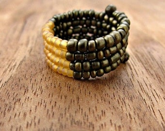 Beaded Adjustable Size 7 Wide Unisex Memory Wire Ring in Bronze and Corn: Maize