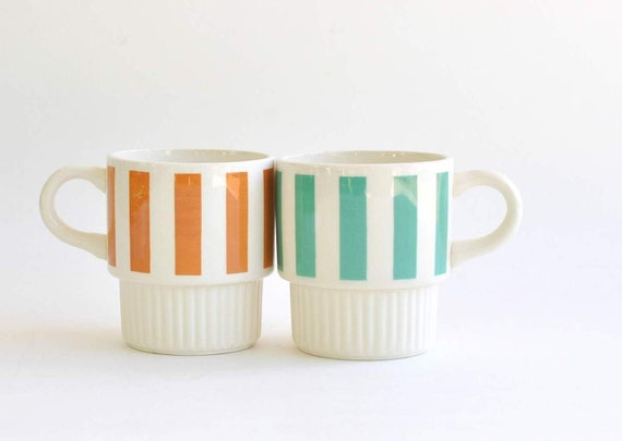 2 Vintage-American-Mod-Striped-Coffee Cups