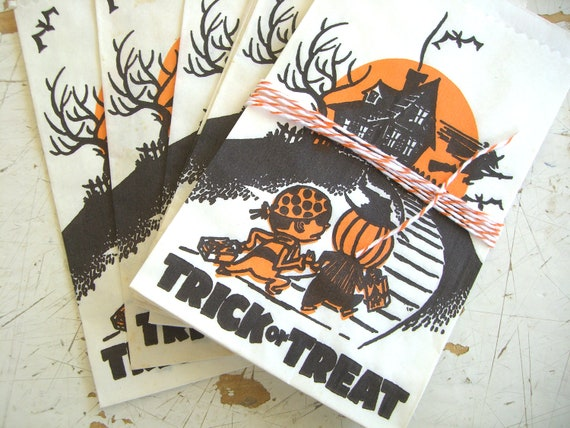 Vintage SmaLL Trick OR Treat Paper Sacks, A Set of 5