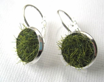 Lush Green Grass Round Silver Earrings