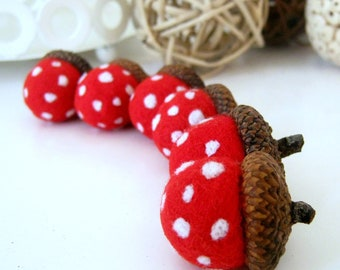 Wool Needle Felted 6 Natural Acorns with Mushroom Toadstool pattern - Home Decoration