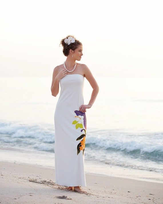 Items Similar To Strapless Hawaiian Beach Wedding Dress On