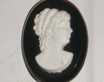 Black white Cameo pin brooch vintage
