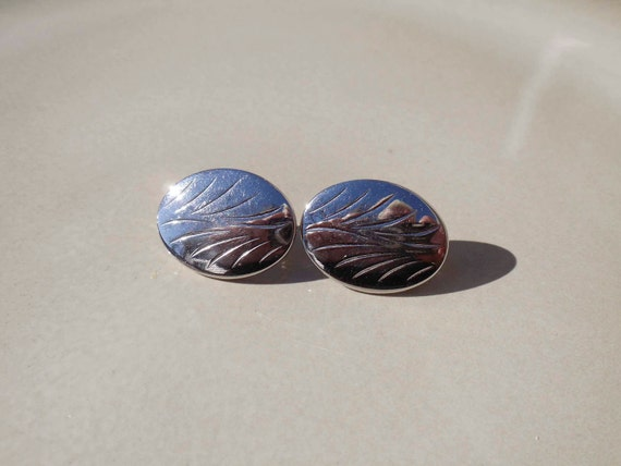Sarah Coventry Silver earrrings clip on Vintage