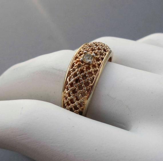 18k HGE Gold diamond ring size 7 vintage