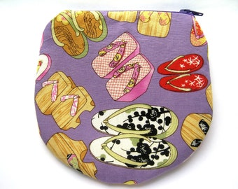 Japanese Shoes Geta Handmade Zipper Coin Purse  Padded Horseshoe Shaped