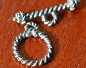 Antique Pewter Rope Toggle Clasp Round 15mm x 19mm -  2 sets (ST768)