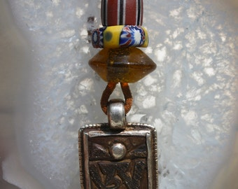 Unisex Leather Talisman Necklace Carved Nepalese Prayer Stone Pendant Vintage African Trade Beads