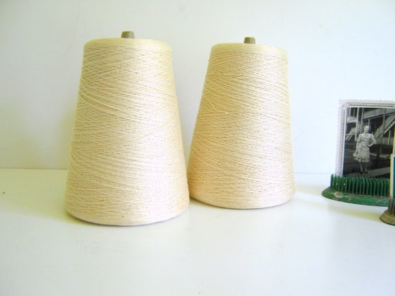 Natural Cotton Thread / Vintage / Craft Supply / Scrapbook / Embroidery/ Ivory / Cream Ivory