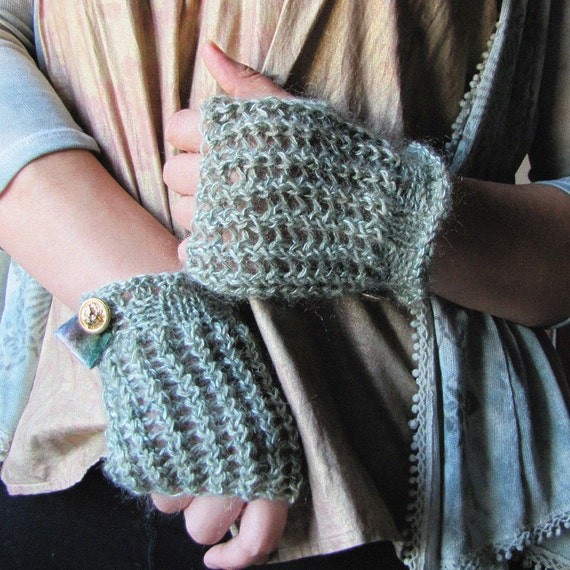 Lacy Mittens - Minted Coin