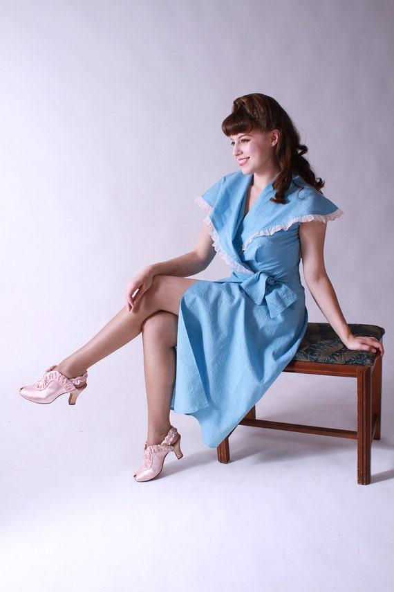 Vintage 1950s Blue Cotton Seersucker NOS Dressing Gown