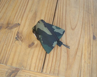 Dog Treat Pyramid Pouch with Belt Loop and Carabiner Clip in a Camouflage Print